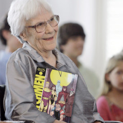 Harper Lee to Release Official 'Watchmen' Sequel
