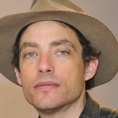 Jakob Dylan Still in Need of Headlight Replacement