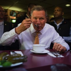 John Kasich Still Wandering Into Diners Hoping to Score Free Meal