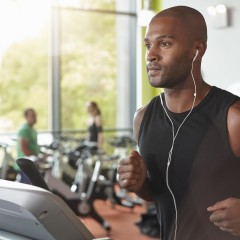 An Open Letter to the Guy at the Gym Who Thinks His Headphones Mask His Farts