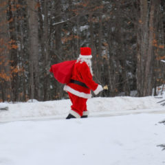 Mall Santas Return to Pasture for Next 11 Months